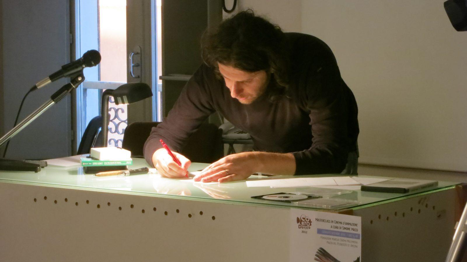 Simone Massi durante la sua masterclass a Corto Dorico 2012